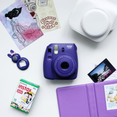 fujifim-instax-mini-8-grape-white-bag_2