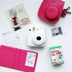 fujifim-instax-mini-8-white-rose-bag