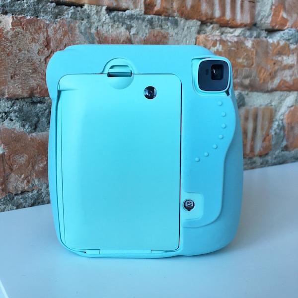 Fujifilm Instax Mini 9 Ice Blue и голубой кейс