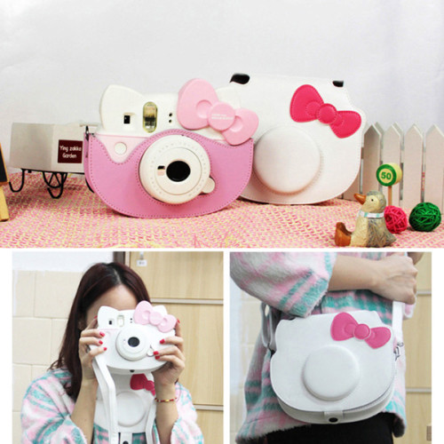 fujifilm-instax-hello-kitty-bag-1