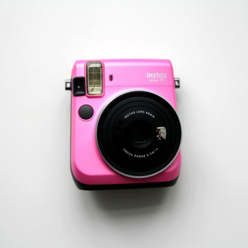 fujifilm-instax-mini-70-pink-2