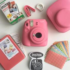 fujifilm-instax-mini-9-flamingo-pink-kit-1