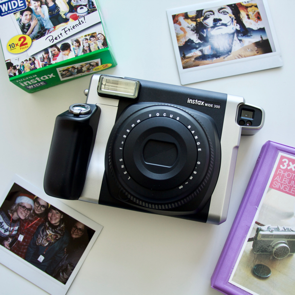 Набор с Fujifilm Instax Wide 300  Доставка бесплатно!