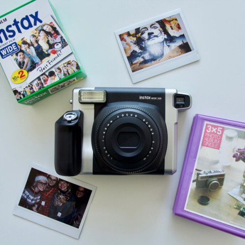 Fujifilm-Instax-Wide-300-kit