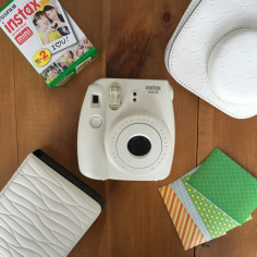 fujifilm-instax-mini-8-white-kit-1