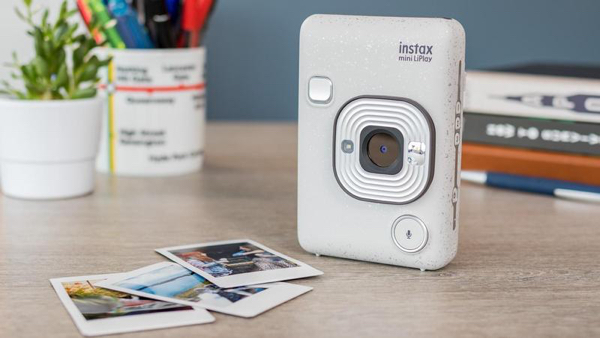 best-istant-cameras-2020-instax-liplay